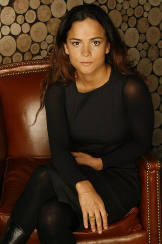 File:Alice-Braga-9.jpg