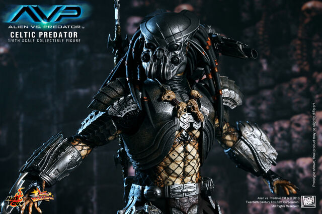 File:Hot-Toys-Alien-vs.-Predator-Celtic-Predator-Collectible-Figure-9.jpg