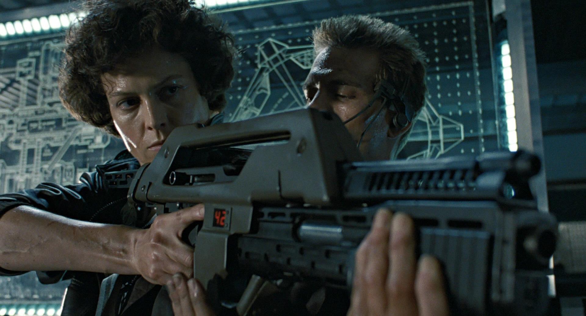 http://vignette2.wikia.nocookie.net/avp/images/5/58/Aliens-m41a-pulse-rifle-12.jpg/revision/latest?cb=20130525170447