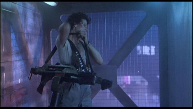 File:Ripley gettingdaweapon.jpg