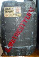 Quinitricetyline prop container