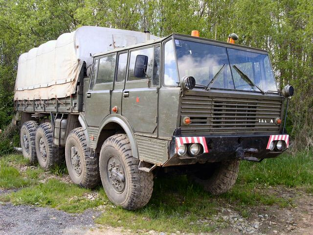 File:Tatra T813.jpg
