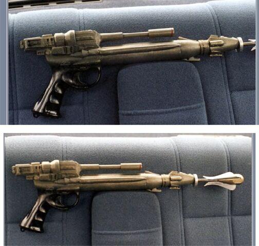 File:Grappling hook gun.jpg