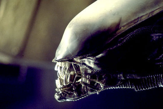 File:TheAlien closupfull A1.jpg