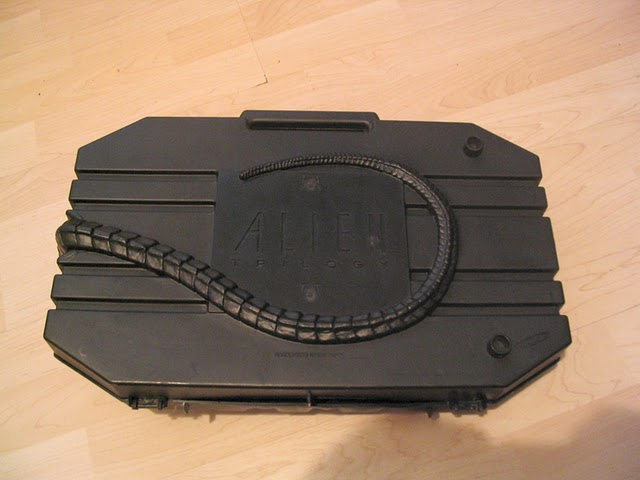 File:Alien Trilogy Facehugger Set Rear.jpg