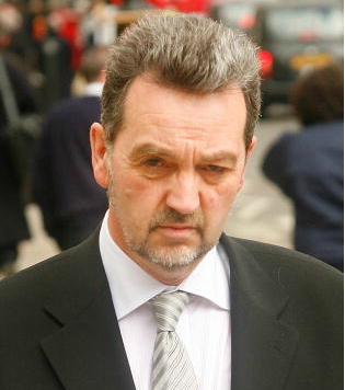 File:Andrew Ainsworth.png
