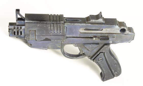 File:Handgun.jpg