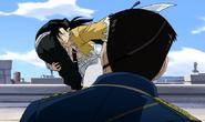 Ling Yao Fighting Fuhrer King Bradley While Carrying Lanfan 2
