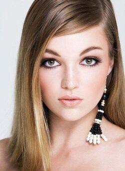 Lili Simmons 2