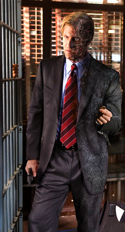 File:Aaron Eckhart Two-Face.png