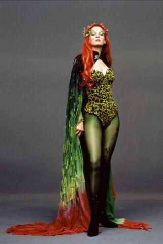 File:Poison Ivy (Uma Thurman) 8.jpg
