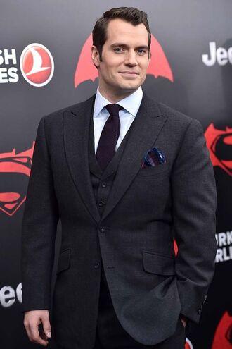 File:Batman v Superman - Henry Cavill.jpg