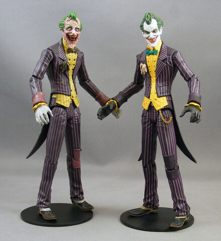 File:Arkham-city-nycc-exclusive-sickened-joker-2.jpg