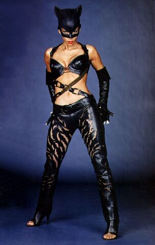 File:Catwoman (Halle Berry) 9.jpg