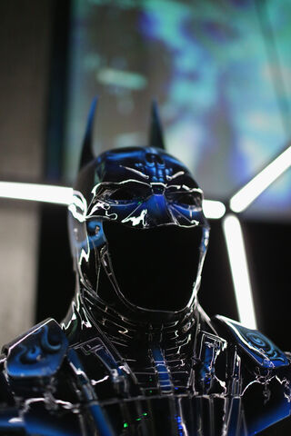 File:SDCC2014-Batman-Cape-Cowl create Art Exhibit 452635858.jpg