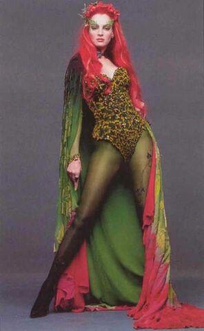 File:Poison Ivy (Uma Thurman) 3.jpg