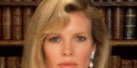 Vicki Vale (Kim Basinger)