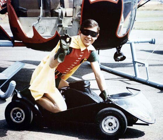 File:Robinmobile.jpg
