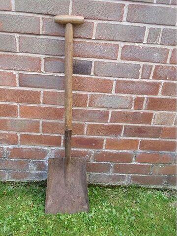 File:450px-Aa shovel01.jpg