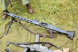 800px-MG42-1
