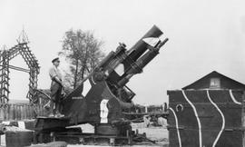 WW1 Howitzer Gun