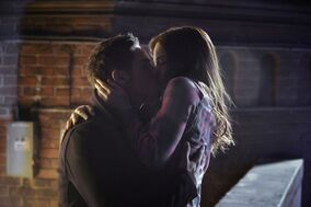 Beauty-And-The-Beast-2x19-2