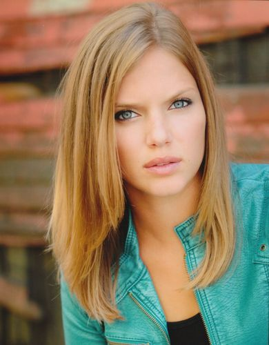 tracy spiridakos speaks greek