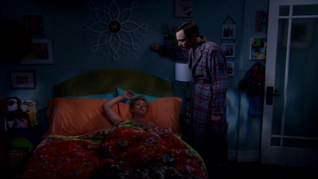 File:S6EP02 - Sheldon in Penny's bedroom.jpg