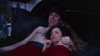 Howard and Leslie in bed