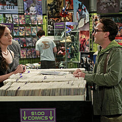 Leonard meets Alice at the comic book store.
