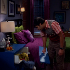 Raj breaks the drawer.