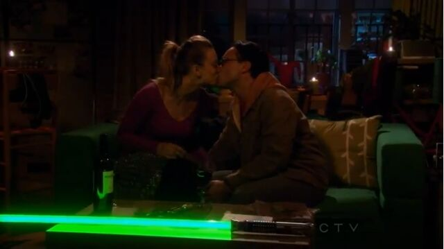 File:The friendship contraction leonard and penny kiss.jpg