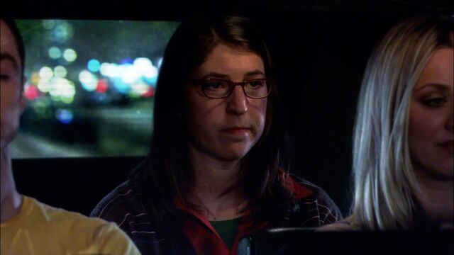 File:37 Amy on first date with Sheldon.jpg