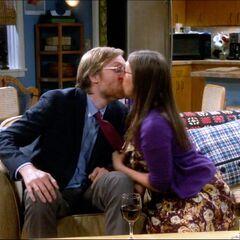 Dave kiss.
