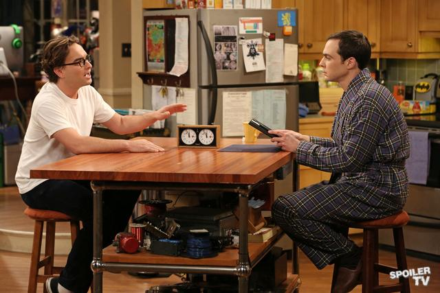 File:S6EP06 - Leonard talking to Sheldon.jpg
