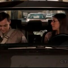 Sheldon and Amy get ready to go to her aunt's party.