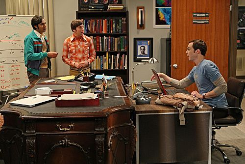 File:BBT - Brobdinaggian desk.jpg