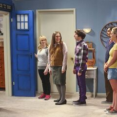 Amy turns her bedroom into the TARDIS to lure Sheldon in.