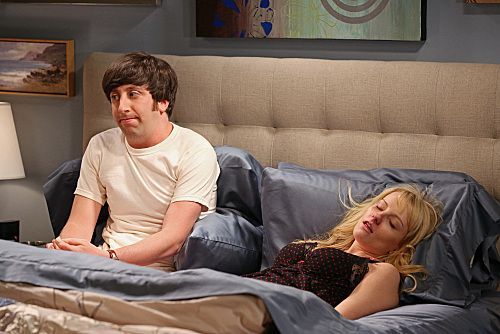 File:S6EP04 - Howard with Bernadette.jpg