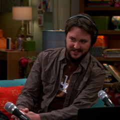 Wil Wheaton hosting his podcast and broadcasting Leonard and Penny's argument.