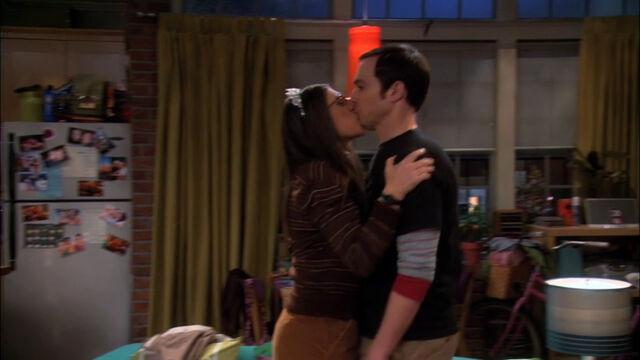 File:Amy kisses Sheldon.jpg
