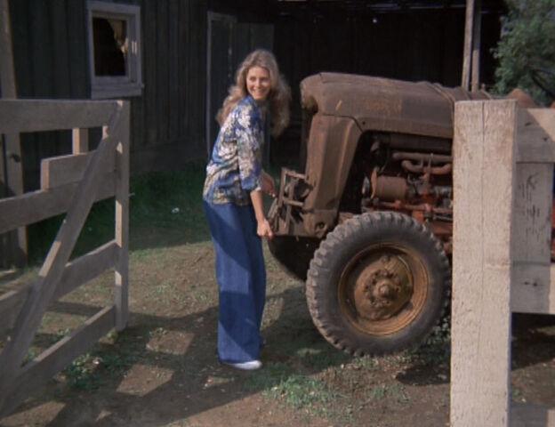 File:JM Lifting Tractor.jpg