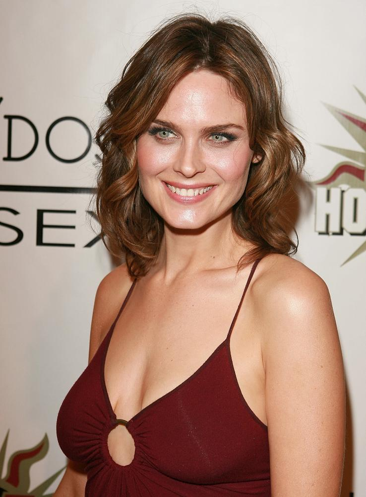 Emily Deschanel Bones Wiki Fandom Powered By Wikia