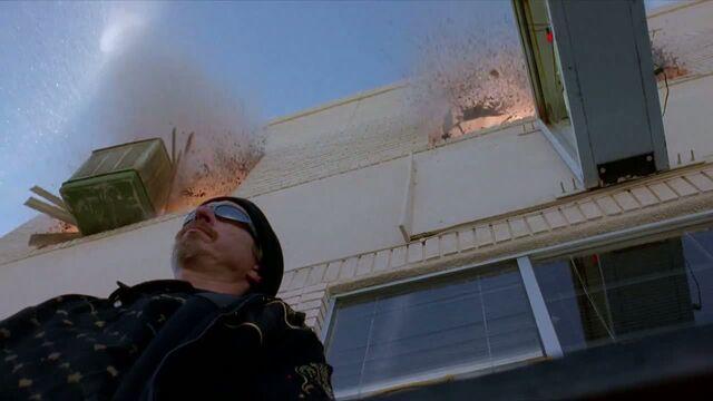File:1x06 - Tuco's HQ explode.jpg