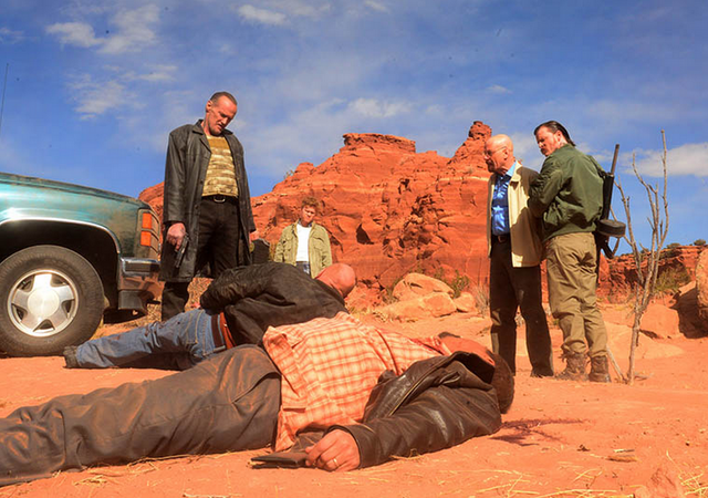 File:Bb-ozymandias5x14-photo1.png