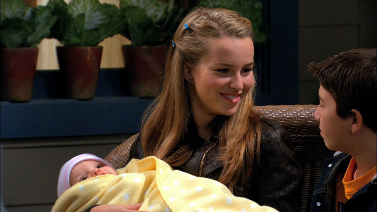 good luck charlie bridgit mendler wiki fandom powered. Black Bedroom Furniture Sets. Home Design Ideas