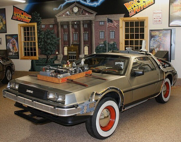 File:DeLorean-BTTF3 with mural in background.jpg