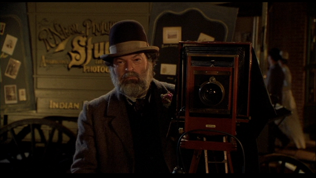 File:Dean Cundey cameo.png
