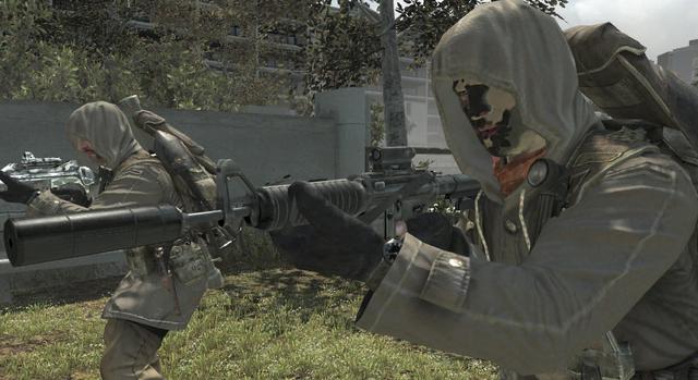 File:Commando Reflex Sight Suppressor Third Person BO.png