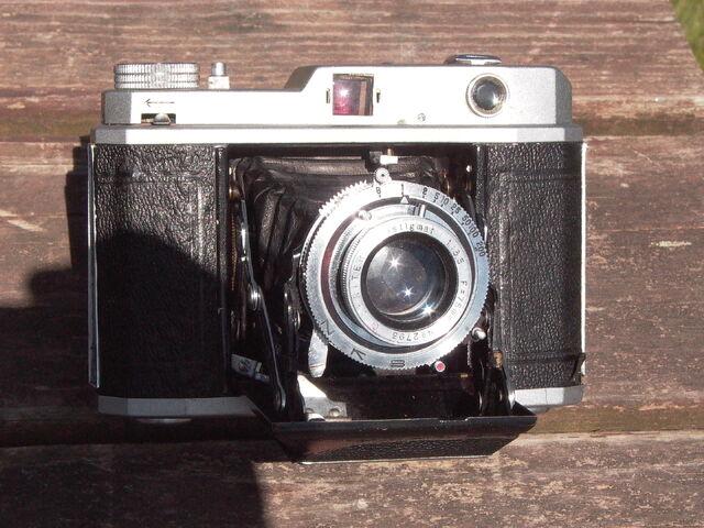 File:Z99 Please six photos assembled 001.jpg